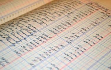 Contabilità semplificata per cassa: la determinazione del reddito in presenza di documenti non rilevanti ai fini IVA
